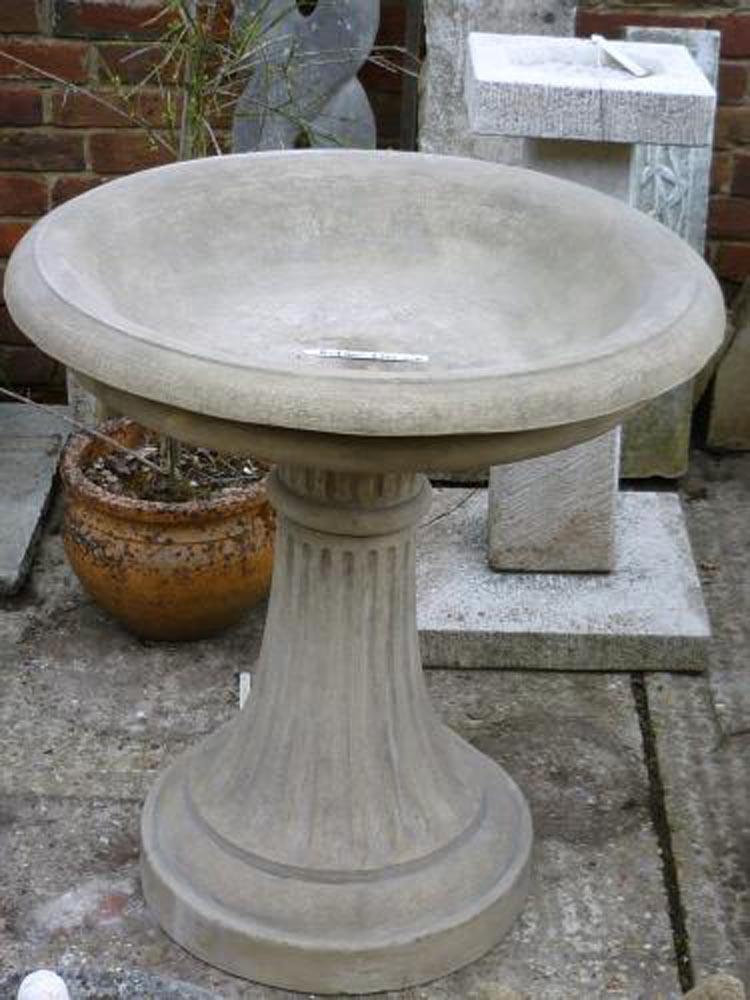 Classic Pentworth Bird Bath 79 cm High Top diameter 73 cm Base diameter 46 cm